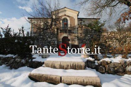Casa Lawrence con la neve